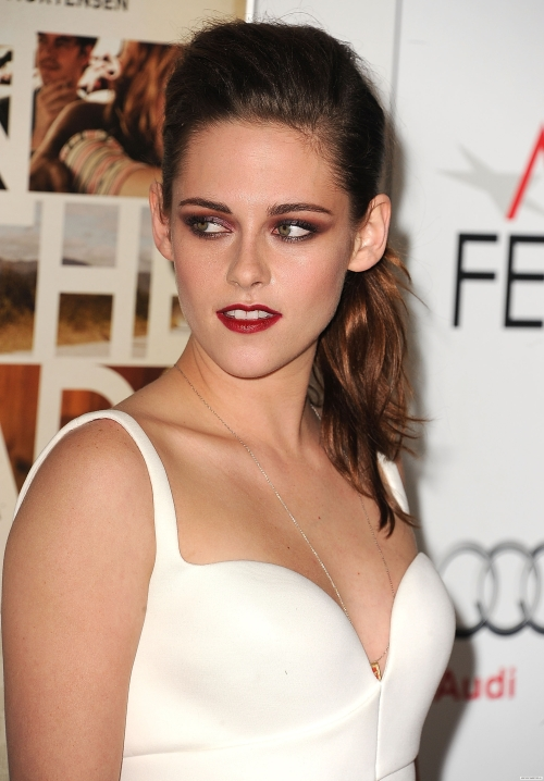 I should spend less time trying to figure out if Kristen Stewart is hot or not and more time trying to figure out how to prevent an asteroid from crashing into Earth!