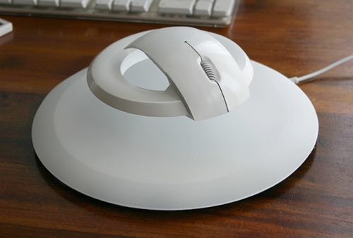 wireless-levitating-computer-mouse-1