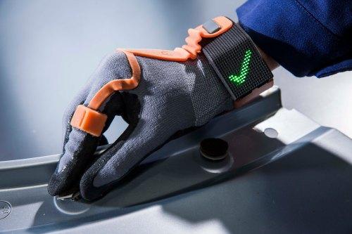 PRO GLOVE, München, Technischer digitaler Arbeits-Handschuh, GF Alex Grots www.proglove.de